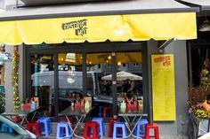 District Mot opened up its doors in the old location of Chi Sing on Rosenthaler Straße early With a groundbreaking Vietnamese street food concept,. Vietnamese Street Food, Berlin Food, Berlin Street, Food Concept, 2016 Trends, Thai Thai, Restaurant, Modern, Trendy Tree