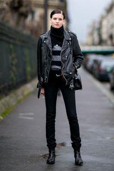morethanmannequins:    Street Style at Paris Fashion Week, March 2016     MORE FASHION AND STREET STYLE
