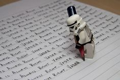 Stormtrooper: Vader is always right.) Stormtrooper Steve had disobeyed a direct order and instead of the usual punishment of death, Lord Vader had instructed him to right out the saying Lego Star Wars, Simbolos Star Wars, Star Wars Stormtrooper, Darth Vader, Star Wars Humor, Star Wars Love, Legos, Lego Lego, Star Wars Figure