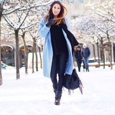 Love the light blue oversize wool coat, a dash of colour for winter! (Germain-berlin-blog)