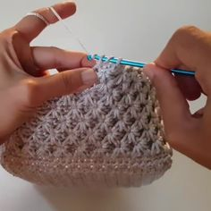 "Crochet Star Stitch (Making a baby blanket or scarf? See the ""Star Stitch Cap"" t… Crochet Star Stitch (Making a baby blanket or scarf? See the ""Star Stitch Cap"" tutorials I have pinned… Deb) Learn to do the Star Stitch with Crochet. Crochet Crafts, Easy Crochet, Crochet Baby, Crochet Projects, Free Crochet, Knit Crochet, Blanket Crochet, Double Crochet, Knitting Projects"
