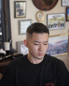 The Japanese men are viewed as one of the most fortunate men among the entire Asian men network, as they've exceptionally complex and different hairstyles. Asian Men Short Hairstyle, Japanese Men Hairstyle, Asian Man Haircut, Mens Hairstyles Fade, Crop Haircut, Haircuts For Men, Men's Hairstyles, Japanese Hairstyles, Jarhead Haircut