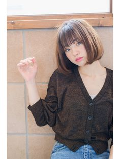 Short Hairstyles For Thick Hair, Short Hair With Bangs, Girl Short Hair, Hairstyles With Bangs, Short Hair Cuts, Short Hair Styles, Angled Bobs, Ash Hair, Hair Arrange