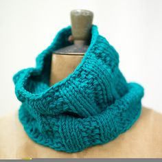 A quick and easy cowl to make - knits in under 4 hours!
