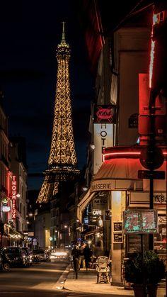 Tour Eiffel, Torre Eiffel Paris, City Aesthetic, Travel Aesthetic, Saint Dominique, Paris Love, Paris Paris, Montmartre Paris, Paris By Night