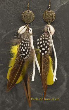 """Ethnic Earrings """"Alaka"""" - Seashell and Bronze Feathers Feather Art, Feather Jewelry, Feather Earrings, Bridal Jewelry, Handmade Beaded Jewelry, Earrings Handmade, Big Earrings, Bijoux Diy, Beautiful Earrings"""