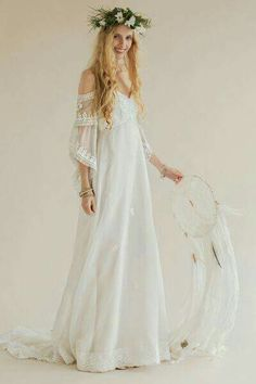 Rue de Seine designs beautiful chic wedding gowns and bridal dresses for the modern bride inspired by the romance of the Rue de Seine, Paris and sold throughout the world 70s Wedding Dress, 1970s Wedding, Bohemian Wedding Dresses, Chic Wedding, Boho Dress, Bridal Dresses, Hippie Dresses, Wedding Ideas, Estilo Hippie