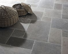 Classic London Grey Mix Tumbled limestone tiles from Mandarin Stone. A striking blend of light to dark grey tones that work well in traditional or modern environments. A smooth, satin-like surface and slightly antique edges combine perfectly. Stone Tile Flooring, Slate Flooring, Stone Tiles, Kitchen Flooring, Slate Floor Kitchen, Flooring Ideas, Grey Kitchen Wall Tiles, Penny Flooring, Kitchen Worktops