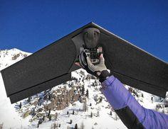 H βιντεοσκόπηση από τον αέρα αποκτά νέες δυνατότητες με το Lehmann LA100 Unmanned Aerial Vehicle, μια τηλεκατευθυνόμενη ιπτάμενη μηχανή που μπορεί να απογειώνεται να φτάνει σε ύψος 100 μέτρων και μετά από πτήση 5 λεπτών