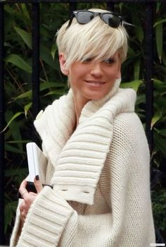 Sarah Harding Platinum Blonde www.ukhairdressers.com for #hairstyles and #hair advice