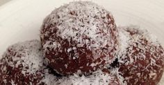 Recipe Organic Raw Cacao Bliss Balls by learn to make this recipe easily in your kitchen machine and discover other Thermomix recipes in Desserts & sweets.
