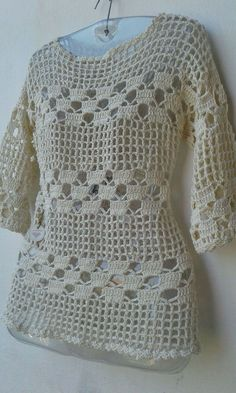 Ganchillo blusas Blouses and Tops woman wearing man's shirt Crochet Stitches Patterns, Crochet Motif, Easy Crochet, Crochet Lace, Knitting Patterns, Crochet Crafts, Crochet Ideas, Crochet Shirt, Crochet Woman