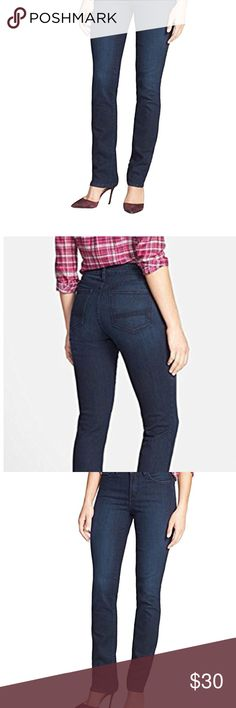NYDJ WOMEN'S SAMANTHA SLIM STRAIGHT NYDJ WOMEN'S SAMANTHA SLIM STRAIGHT   STLYLE#M95M60NG4112 91%Cotton, 7%Polyester  Made in USA Inseam:31'' Front rise:9.5'',Back rise: 12.5'',Leg opening :13'' NYDJ Jeans