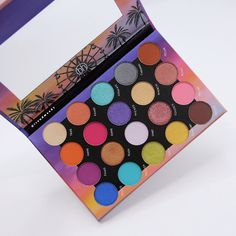BH Cosmetics made an entire Weekend Festival makeup collection. The Coachella makeup and outfit ideas are ENDLESS. Click above to get more details on this new BH Cosmetics collection. Natural Makeup Tips, Eye Makeup Tips, Makeup Products, Makeup Stuff, Makeup Tools, Makeup Ideas, Beauty Products, Coachella Makeup, Barbie Makeup