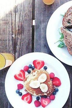 The Breakfast Club in the Amsterdam City Center. Delicious healthy breakfast. Second location! Fresh juices, a good cup of coffee and delicious buckwheat pancakes. http://www.yourlittleblackbook.me/the-breakfast-club-amsterdam-haarlemmerplein/