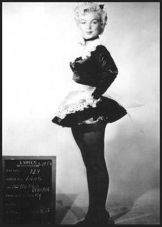 """Image - 1954, ESSAIS COSTUMES signés TRAVILLA pour le film """"There's no business like show business"""" (La joyeuse parade) de Walter LANG. - Legend-Marilyn-MONROE - Skyrock.com"""