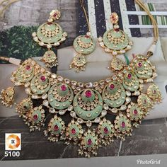 Designer Gold Plated Bollywood Style Jewelry Indian Kundan Bridal Necklace - H Sanghi - Indian Bridal Jewelry Sets, Indian Jewelry Earrings, Fancy Jewellery, Indian Necklace, Stylish Jewelry, Fashion Jewelry, Gold Jewelry, Jewellery Shops, Mens Jewellery