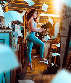 This edit took FOREVER. I hope you enjoy this one w ! Spam the comments today with yellow emojis… Dance Photography Poses, Gymnastics Photography, Levitation Photography, Dance Poses, Girl Photography, Creative Photography, Amazing Photography, Photography Ideas, Sofie Dossi