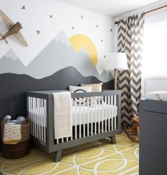 nursery-furnishing-tips-baby-bed-wall-decoration-room-set-up-gray-baby-bed-wall-deco-mountains The p Baby Bedroom Sets, Baby Boy Rooms, Baby Boy Nurseries, Room Baby, Nursery Design, Baby Design, Grey Cot, Ideas Habitaciones, Baby Room Themes