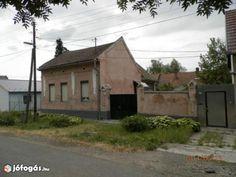Családi ház felújításra - Szekszárd