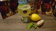 Cocktail Frisky 43 aus Licor 43 mit Zitronensaft, Wasser, frisch geriebenem Ingwer und Minze plus Eiswürfel   Ein sehr erfrischender Cocktail mit angenehmer Schärfe dank dem frischen Ingwer ;-) #Licor43 #dieInsider