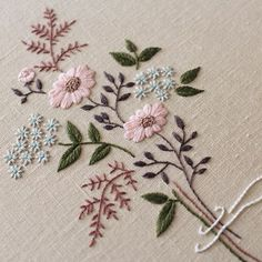 silk ribbon embroidery how to Sewing Stitches, Hand Embroidery Stitches, Silk Ribbon Embroidery, Crewel Embroidery, Hand Embroidery Designs, Embroidery Supplies, Embroidery Ideas, Bordado Popular, Bordado Floral
