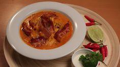 Fazolová polévka schilli, chorizem, uzeným žebrem a čedarem Chorizo, Thai Red Curry, Beef, Tv, Ethnic Recipes, Food, Meat, Eten, Ox