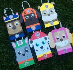 Bolsas de papel decoradas con imágen de personajes Paw Patrol como sorpresas Paw Patrol Birthday Theme, Paw Patrol Party, Dog Birthday, 4th Birthday Parties, Paw Patrol Costume, Fete Emma, Cumple Paw Patrol, Puppy Party, Party Favor Bags