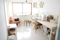 sewing room Sewing Spaces, Sewing Rooms, Craft Organization, Future House, Nook, Office Desk, Building A House, House Interiors, Fashion Studio