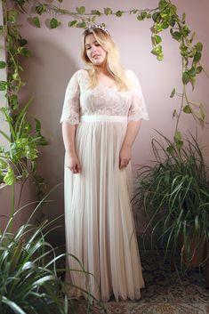Custom designer wedding dresses Melbourne for Modern and Art Deco bridal gowns Vintage Inspired Wedding Dresses, Designer Wedding Dresses, Modern Bridesmaid Dresses, Curvy Bride, Plus Size Wedding, Boho Bride, Beautiful Gowns, Bridal Style, Bridal Gowns