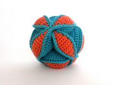 Amish Puzzle Ball - crochet
