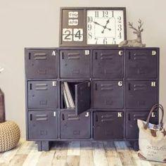 Lockerkast zwart met 12 vakken A t/m L https://www.gigameubel.nl/producten/q:locker
