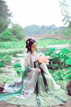 My Hanfu Favorites Pictures of hanfu (han chinese clothing) I like. About Tags Replies Where to Buy Hanfu Hanfu, Cheongsam, Traditional Fashion, Traditional Chinese, Traditional Dresses, Oriental Fashion, Asian Fashion, Chinese Fashion, Asian Style
