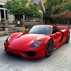 "130 Me gusta, 4 comentarios - Vida Veloz (@vidaveloz) en Instagram: ""Blood red 918 Hybrid Spyder"" Amazing Cars, Sport Cars, Race Cars, Red Sports Car, Luxury Cars, Lamborghini, Maserati, Ferrari 458, Porsche 2017"