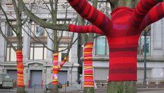 Yarn bombing : l'art urbain des tricoteuses et des crocheteuses - Tricot & crochet - Pure Loisirs