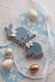 Cookies royal icing spring etsy 48 ideas for 2019 – Cupcakes 2020 Easter Cupcakes, Easter Cookies, Fun Cupcakes, Easter Treats, Valentine Cookies, Birthday Cookies, Christmas Cookies, Iced Cookies, Cupcake Cookies