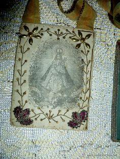 Antigüedades: ANTIGUO ESCAPULARIO * Ntra. Sra. Siguenza * BORDADO CON FILIGRANAS - EN SU ESTUCHE ORIGINAL - Foto 2 - 52505614