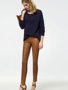 LEGGING PIEL - Pantalones - WOMEN - España Massimo Dutti SS 2015 Leggins piel Blusa azul Zapatos negros