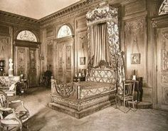 The William Salomon Mansion at 1020 Fifth Avenue bedroom.jpg