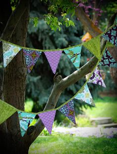 Items similar to Adorable Bunting or Party Flags PDF Pattern. EASY on Etsy Fabric Bunting, Bunting Banner, Fabric Crafts, Diy Crafts, Party Flags, Make Your Own Clothes, Quilt Labels, Sewing Projects, Knitting Projects