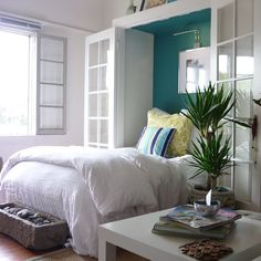 9 stylish murphy beds for small spaces. Whether for your studio, small bedroom, guest room or living room, these stylish murphy bed ideas make the most of this small-space essential. For more home furniture ideas go to Domino. Beds For Small Spaces, Small Space Living, Small Bedrooms, Bungalows, Cabana, Ocean Inspired Bedroom, Ocean Bedroom, Home Bedroom, Bedroom Decor