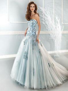 Applikation Organza Farbig Prinzessin Hochzeitskleid mit Pinsel-Schleppe #Brautkleider - schoenebraut.com