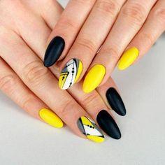 Manicure Geometric Nail Art Ideas ; design de unhas; Геометрия Дизайн ногтей; Дизайн ногтей; geometric nails; Yellow nails; manicure; nail shop; nail salon; #nailsartdiy