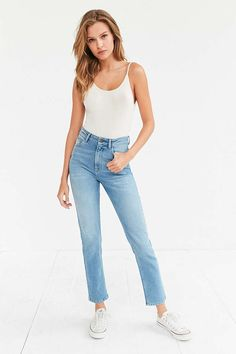 BDG Girlfriend High-Rise Jean - Light Wash - Urban Outfitters