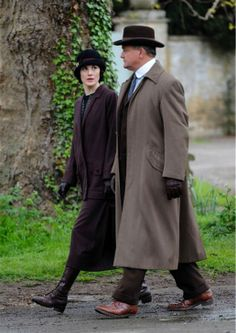 Michelle Dockery (Lady Mary Crawley) and Hugh Bonneville (Robert Crawley, Earl of Grantham) appear on the set of 'Downton Abbey' season 5