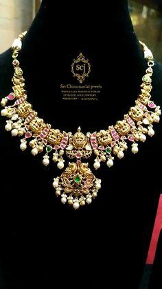 Jewelry Design Earrings, Gold Jewelry, Cz Jewellery, India Jewelry, Necklace Designs, Necklace Set, Mango Necklace, Beaded Necklace, Antique Necklace