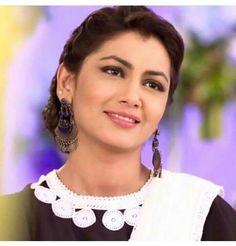 Smiling Beauty  ♥ Sriti Jha, Kurta Style, All Actress, Kumkum Bhagya, Black Saree, Manish, I'm Happy, Indian Beauty, Bollywood Actress