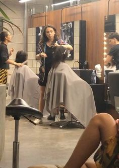 Makeup Artists, Great Pictures, Cut Off, Capes, Short Hair Styles, Hair Cuts, Gray, Chair, People