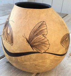 Butterfly Pyrography Sampler class by Jenn Avery 2018 Decorative Gourds, Hand Painted Gourds, Wood Burning Patterns, Wood Burning Art, Creative Gifts For Boyfriend, Pyrography Patterns, Gourd Art, Butterfly Design, Nature Crafts