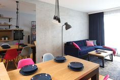 Kuchnia z wyspą - zobacz gotowy projekt wnętrza - Galeria - Dobrzemieszkaj.pl Conference Room, Table, House, Furniture, Home Decor, Decoration Home, Home, Room Decor, Meeting Rooms